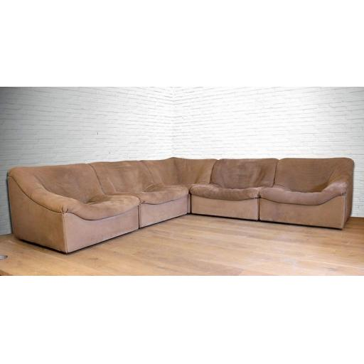 An Exceptional Mid-Century de Sede DS-46 Bull Neck Leather Modular Sofa