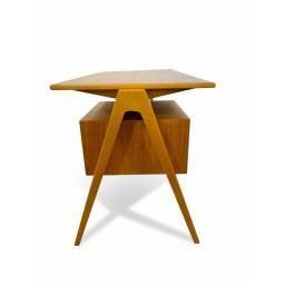 Hill desk 3.jpg