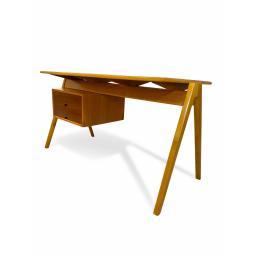 Hill desk 1.jpg