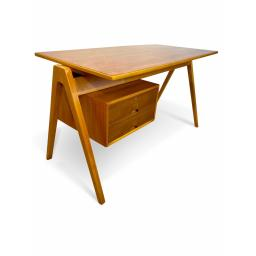 Hill desk 4.jpg