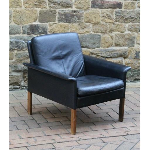 Hans Leather 1.jpg