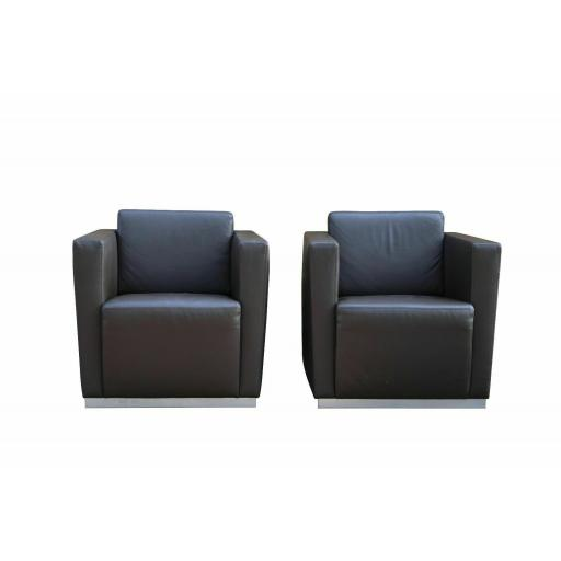 Leather Sofa and pair of armchairs suite designer Walter Knoll