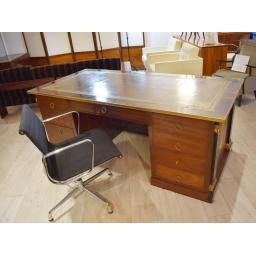 Empire Desk 6.jpg