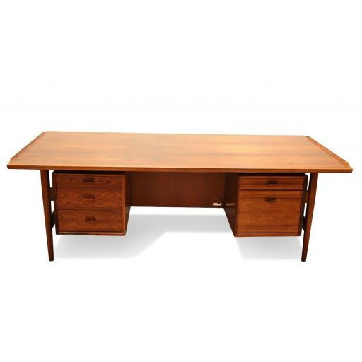 Arne Vodder Rosewood Desk 2.jpg
