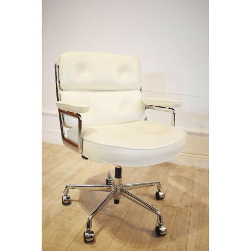Eames white office Chair 3.jpg