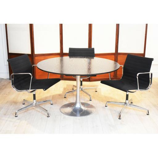 Arkana dining table 5.jpg