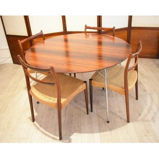 Arne Jacobsen Roswood 3.jpg