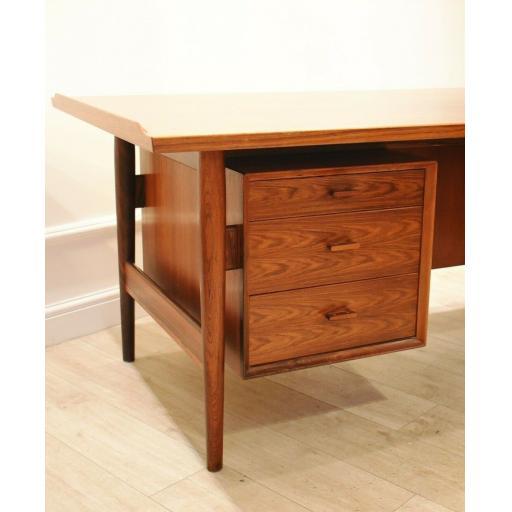 Arne Vodder Rosewood Desk 5.jpg