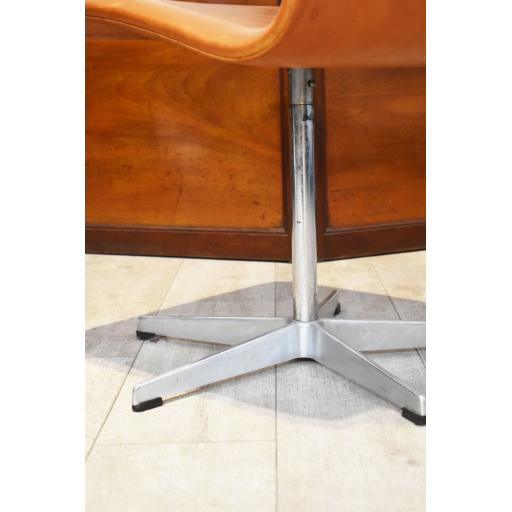 Arne Jacobson Chair 8.jpg