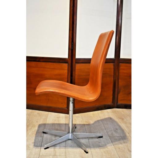 Arne Jacobson Chair 3.jpg