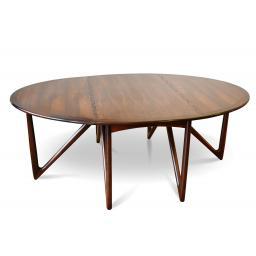 Neils Table 1.jpg