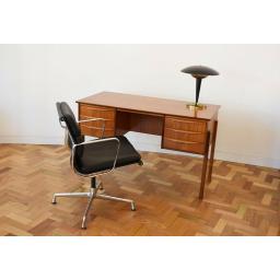 Danish Desk 9.jpg