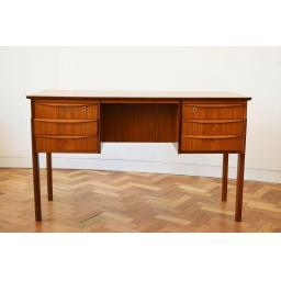 Danish Desk 6.jpg