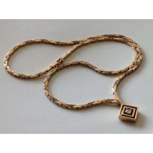 Chunky geometric necklace 3.jpg