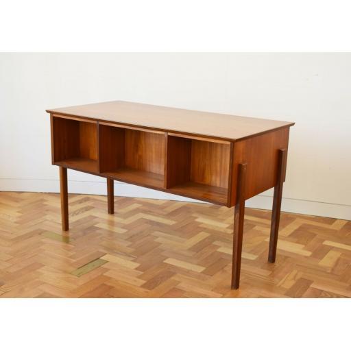Danish Desk 8.jpg