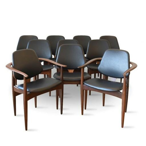 Set of 10 Elliots of Newbury dining chairs